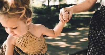 7 Cara Menyenangkan Menstimulasi Motorik Kasar pada si Kecil