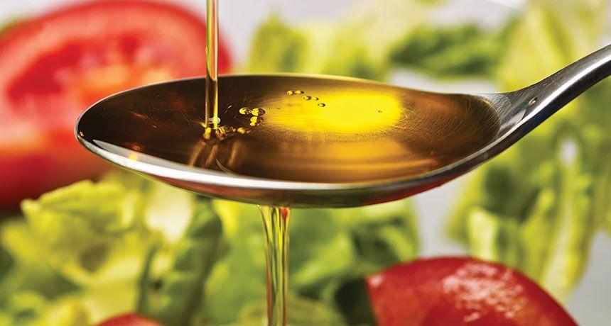 7. Menggunakan minyak sayur