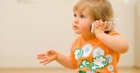 Perkembangan Bayi Usia 12 Bulan 4 Minggu: Mencoba Meniru Orangtuanya