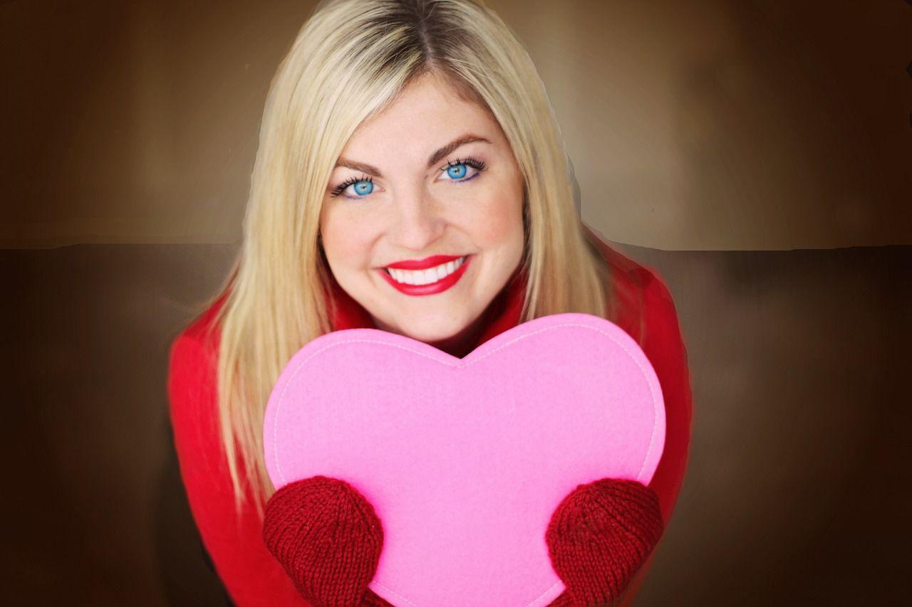 7 Kado Valentine Buat Diri Sendiri Dijamin Bikin Mama Bahagia