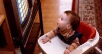 Waspada Dampak Buruk Membiarkan Bayi Menonton Televisi