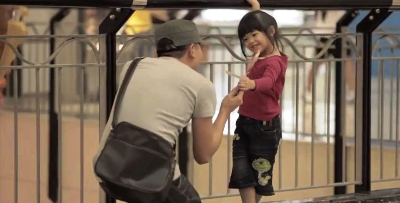 4. Memanfaatkan kelengahan orangtua mall