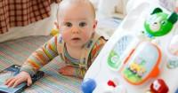 8 Mainan Bayi Paling Baik Perkembangan Sensorik Motorik
