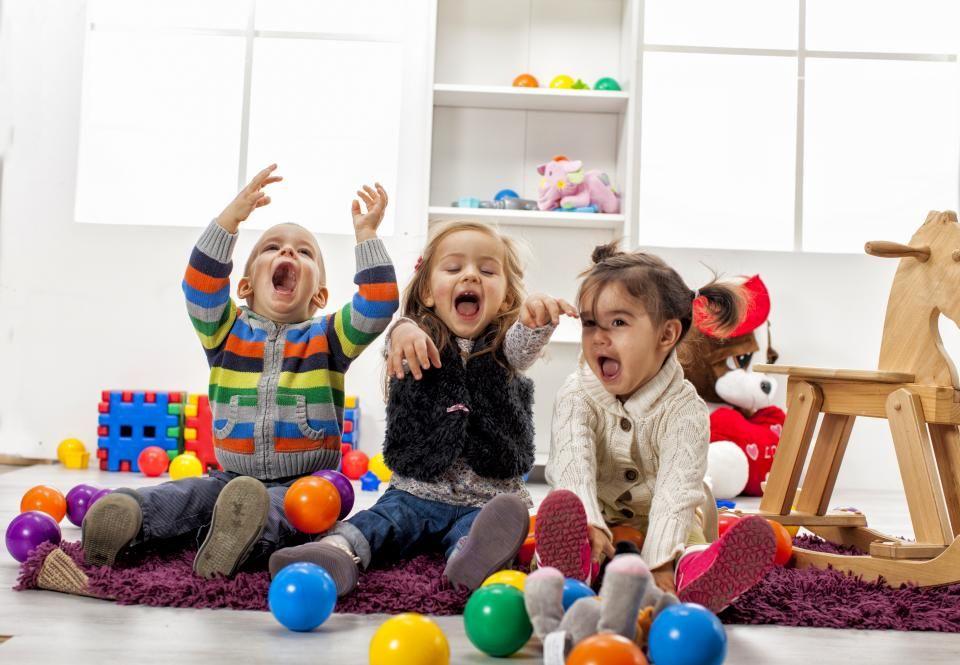 2. Pantau jenis-jenis permainan masuk dalam kurikulum PAUD