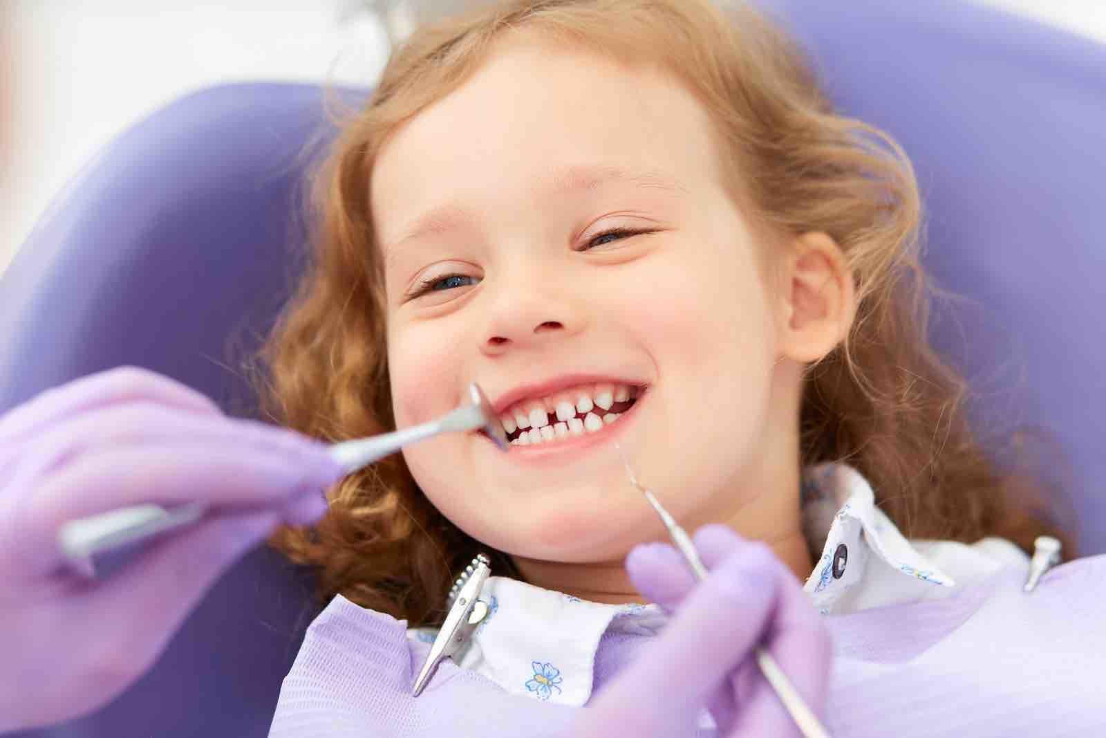 3. Kenalkan si Kecil dokter gigi semenjak dini