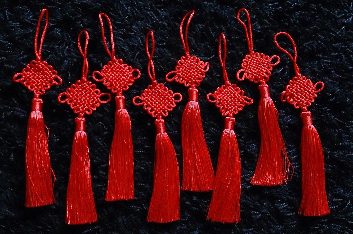 3. Menggantung chinese knots