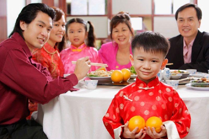 5. Tradisi makan bersama