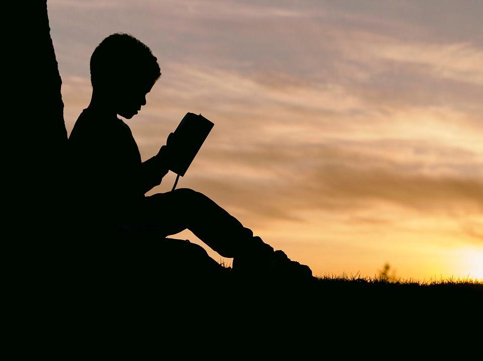 4. Ciptakan suasana membaca menyenangkan