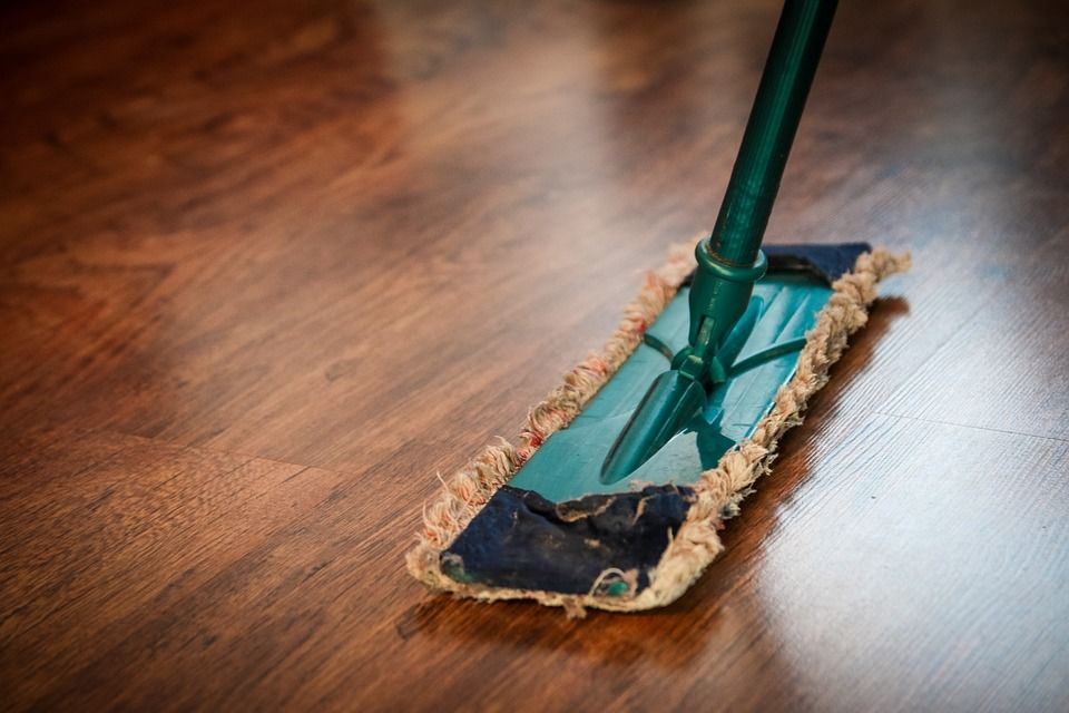 7. Tradisi bersih-bersih rumah hari sebelum tahun baru