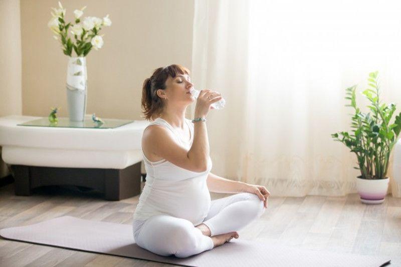 4. Minum lebih banyak cairan