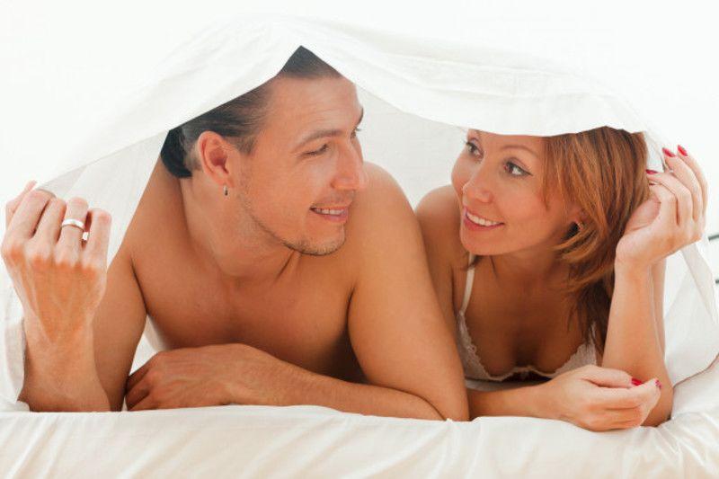 8. Posisi seks misionaris adalah satu-satu cara cepat hamil