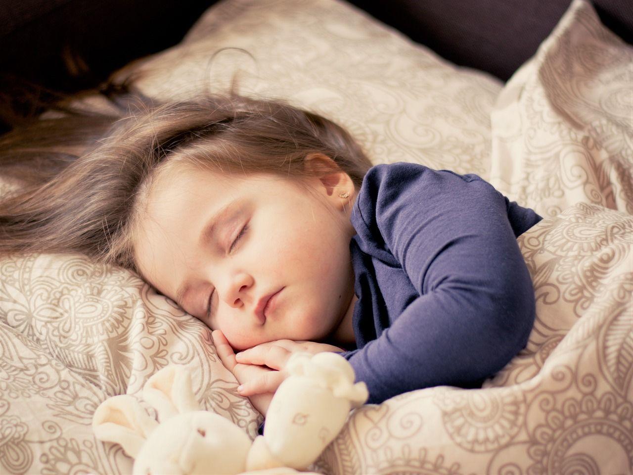 3. Pastikan waktu tidur si Kecil sudah cukup