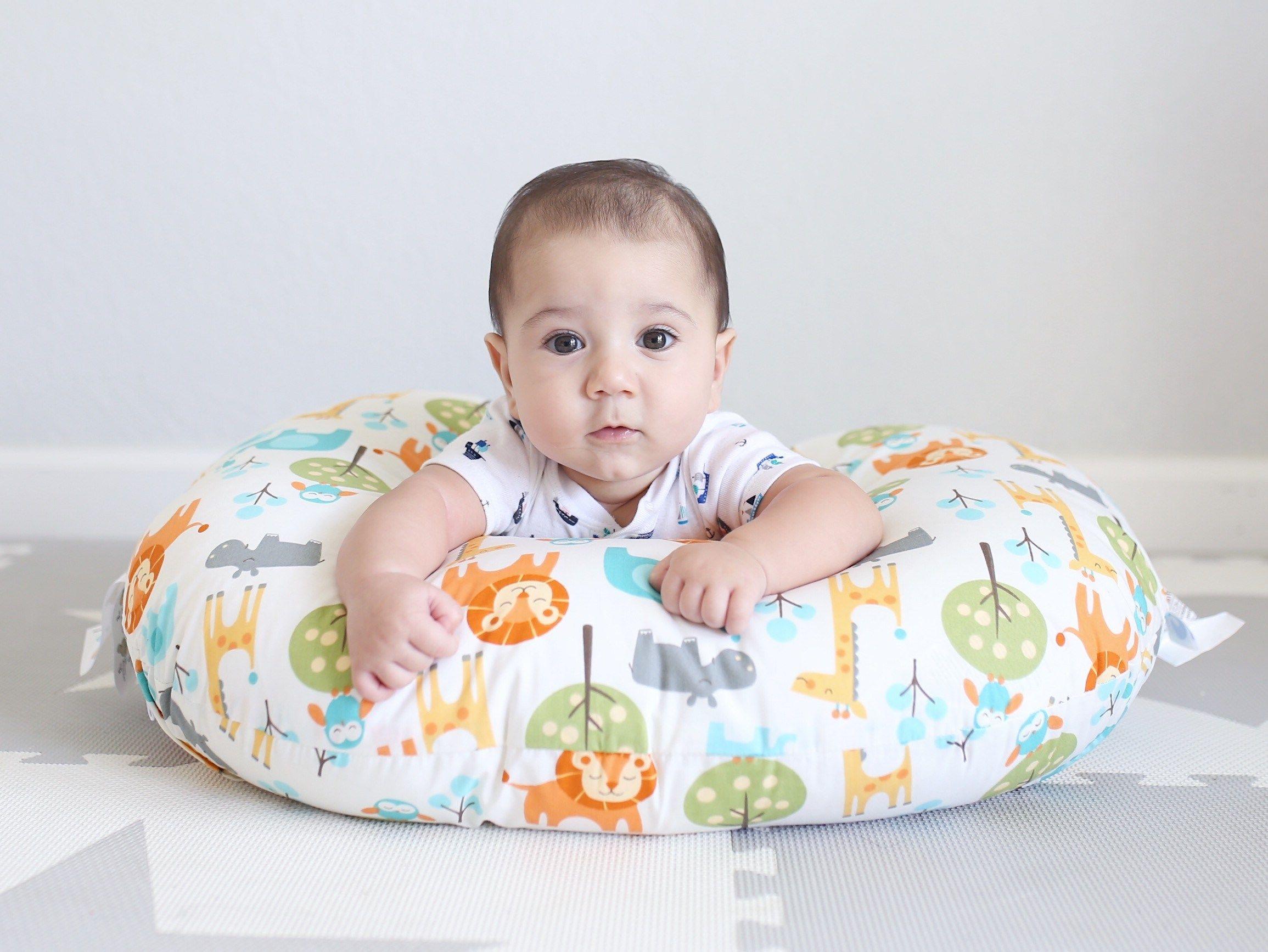 2. Pastikan bayi tetap nyaman saat tummy time