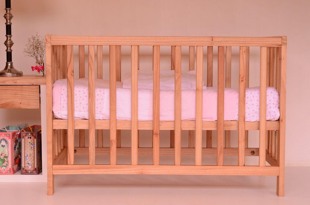 3. Tempat tidur bayi buatan tangan