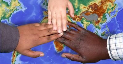 Cara Menanamkan Nilai Toleransi Saat Mengasuh Anak