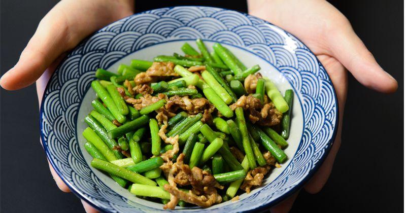 2. Rutin menyajikan sayur