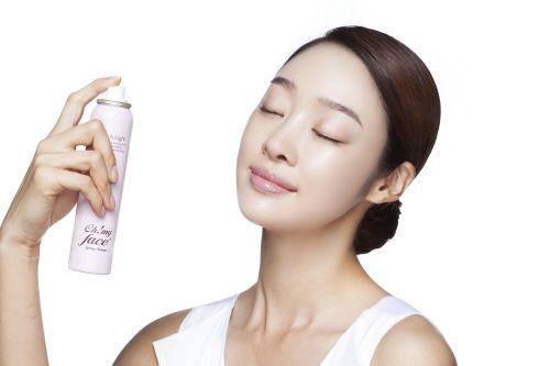7. Sedia facial spray dalam tas