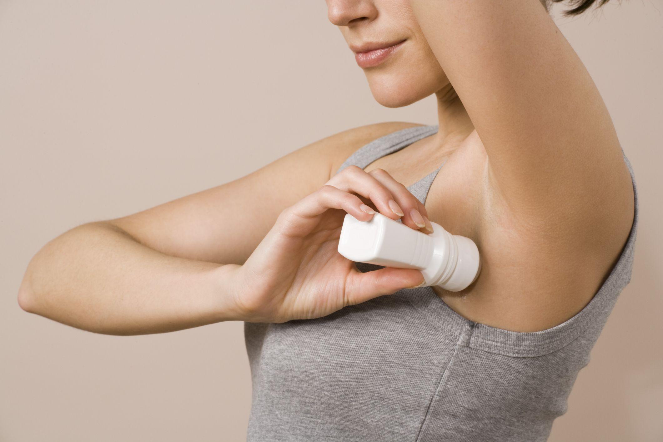 6. Jangan lupa menggunakan deodoran