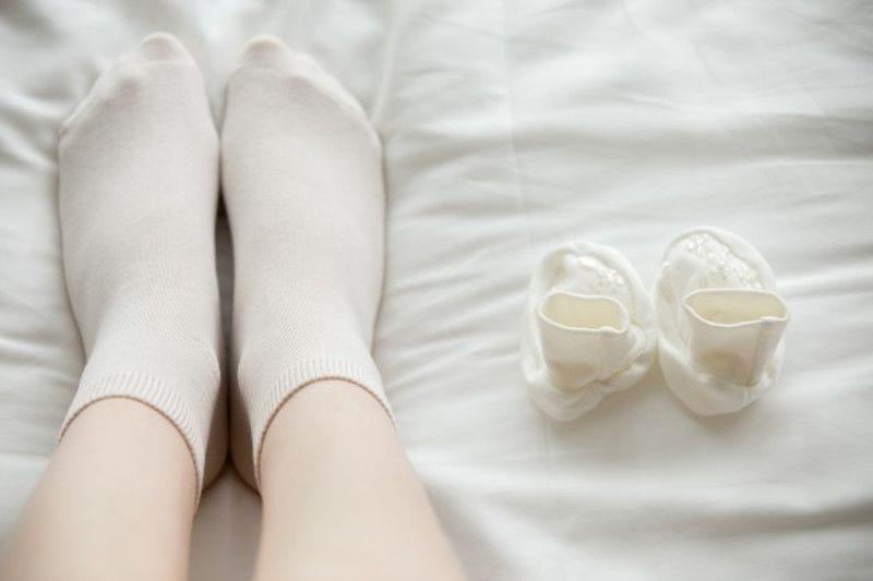10. Kaus kaki