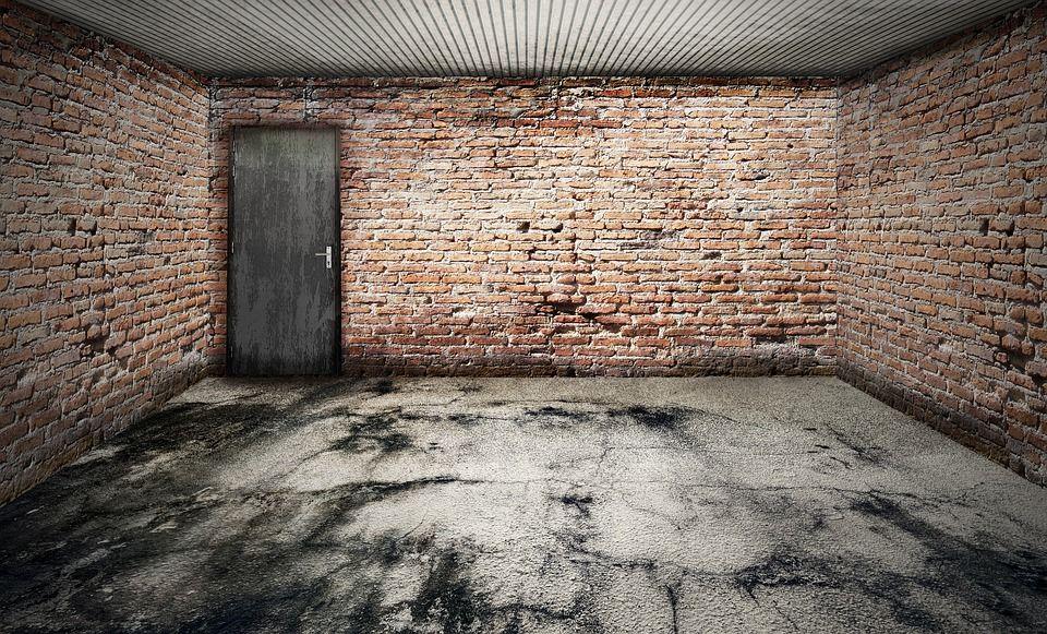4. Membersihkan garasi
