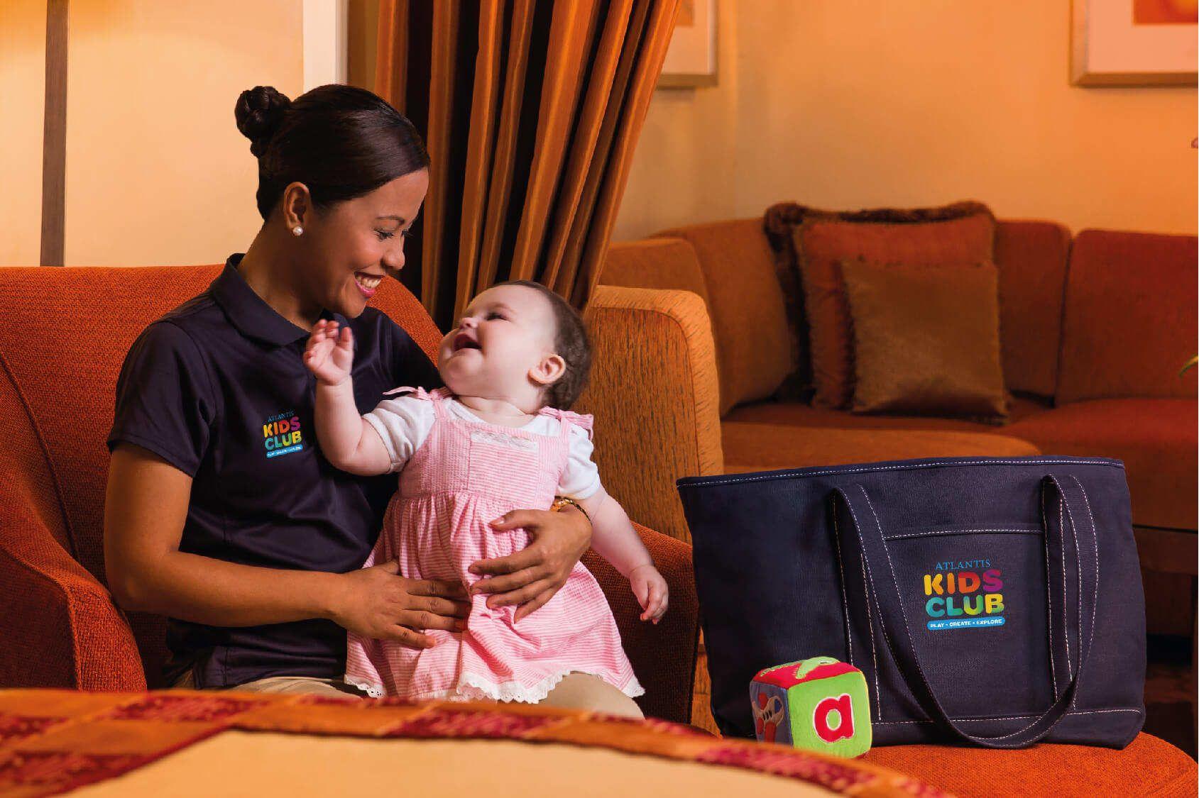 Kehidupan Orangtua Melibatkan Pengasuh Bayi