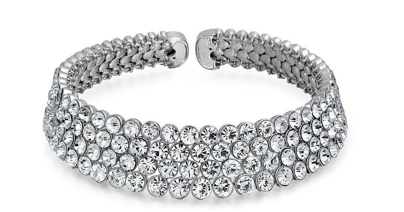 7. Choker necklace