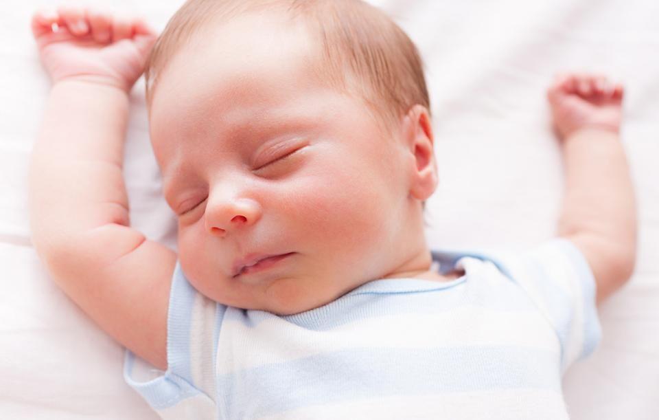 9. Bayi masih banyak tidur