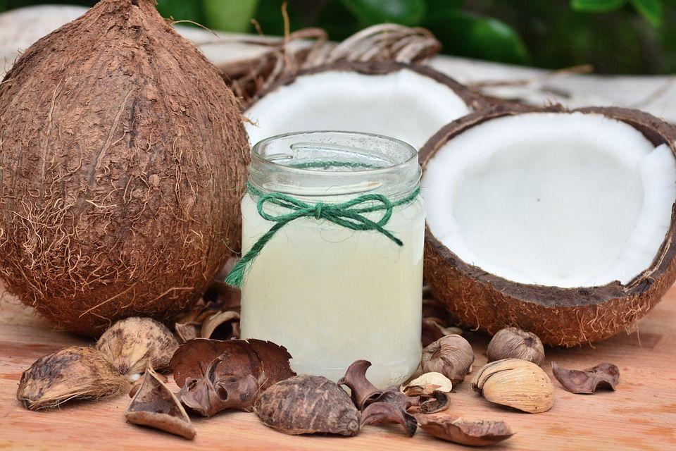 6. Berikan air kelapa