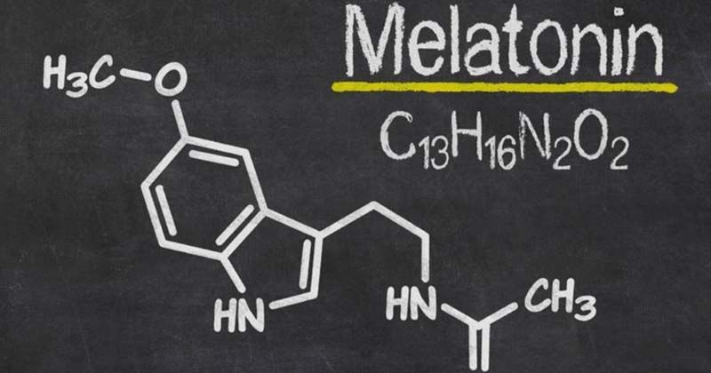 1. Menahan melatonin