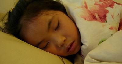 Penting Pahami 5 Alasan Anak Harus Tidur Tanpa Gadgets