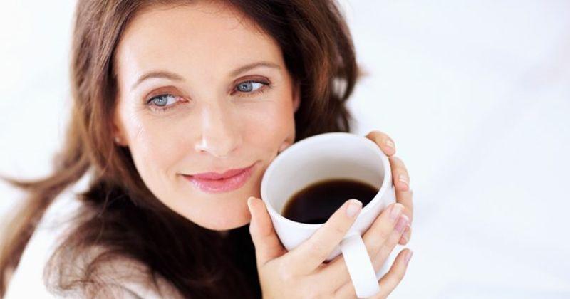 8. Hindari kafein menjelang waktu tidur