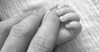 5 Hal tentang Bayi Baru Lahir Sering Bikin Papa Kebingungan
