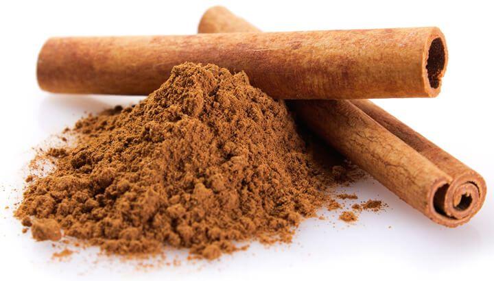6. Menggunakan kayu manis