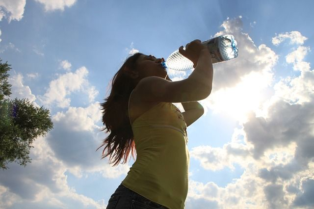 5. Menikmati minuman khusus musim panas