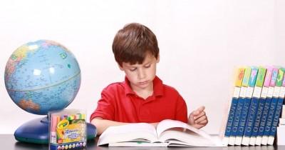 7 Cara Mendorong Anak untuk Mau Belajar