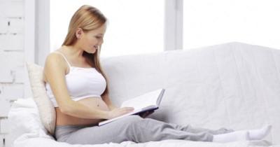 7 Manfaat Membaca Dongeng untuk Janin dan Ibu Hamil Trimester Ketiga
