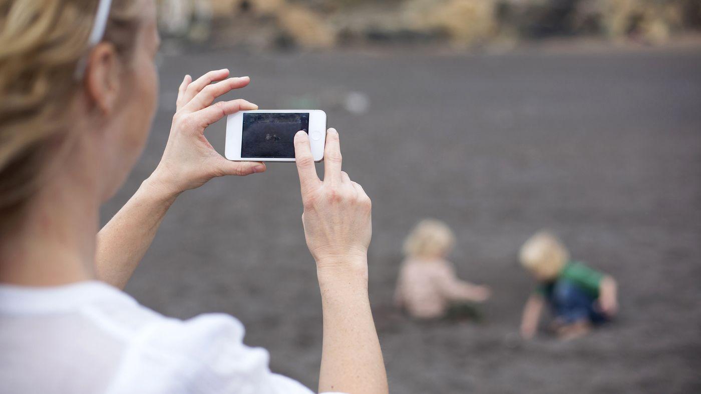 6. Jangan posting foto anak sembarangan