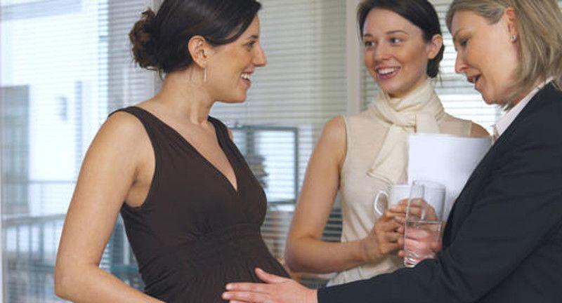 4. Bicarakan atasan rekan kerja
