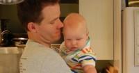 Bukti Psikologis Tunjukan Bayi Mirip Papa Lebih Sehat