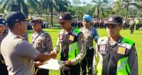 Bantu Ibu Gangguan Jiwa Melahirkan, Polisi Mendapat Penghargaan