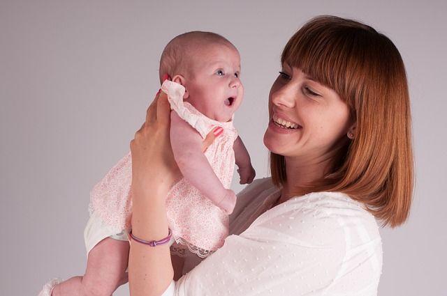 Perkembangan Bayi Usia 3 Bulan 1 Minggu Si Pintar Senyum Gemas