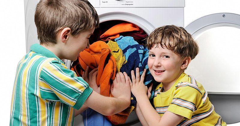1. Mencuci baju