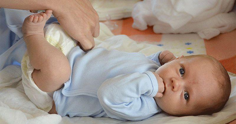 6. Foto bayi sedang pup/pee