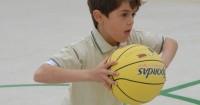 5 Manfaat Anak Olahraga Basket Lapangan