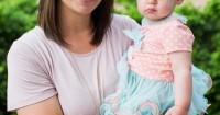 3 Alasan Mengapa Mama Sering Menggendong Bayi Sebelah Kiri