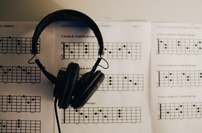1. Manfaat mendengarkan musik saat persalinan