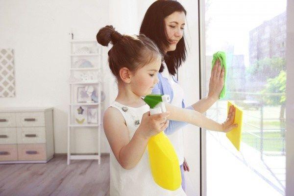 7. Bersihkan rumahmu secara rutin