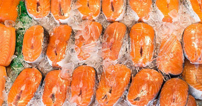 6. Tidak aman mencairkan makanan luar lemari es
