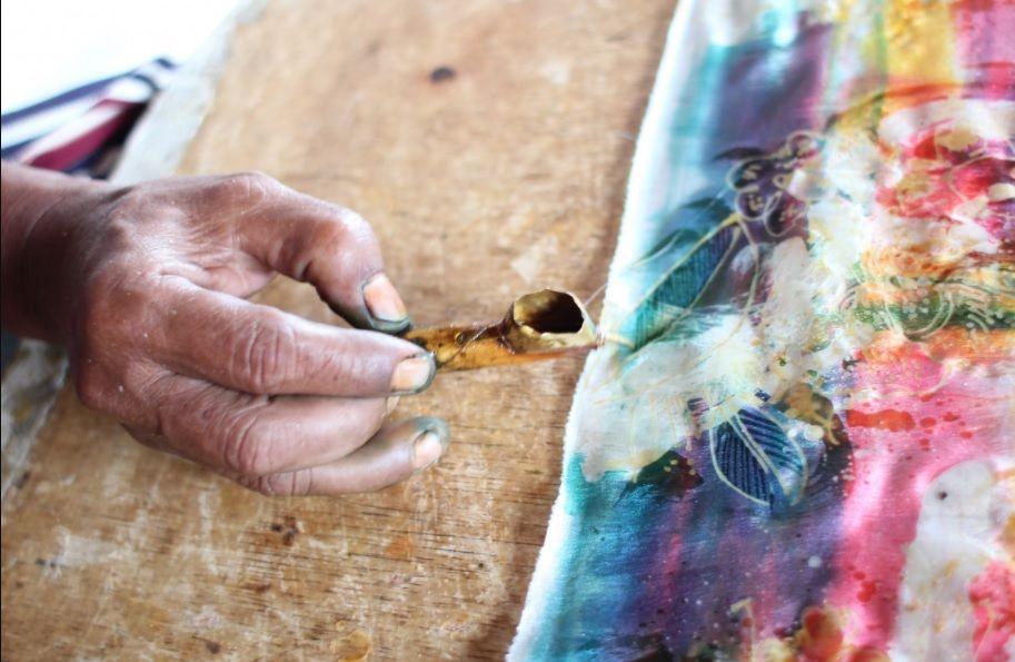 5 Trik Agar Terlihat Memesona Batik