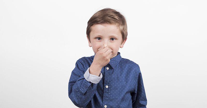 4. Segera periksa apakah anak masih bernapas